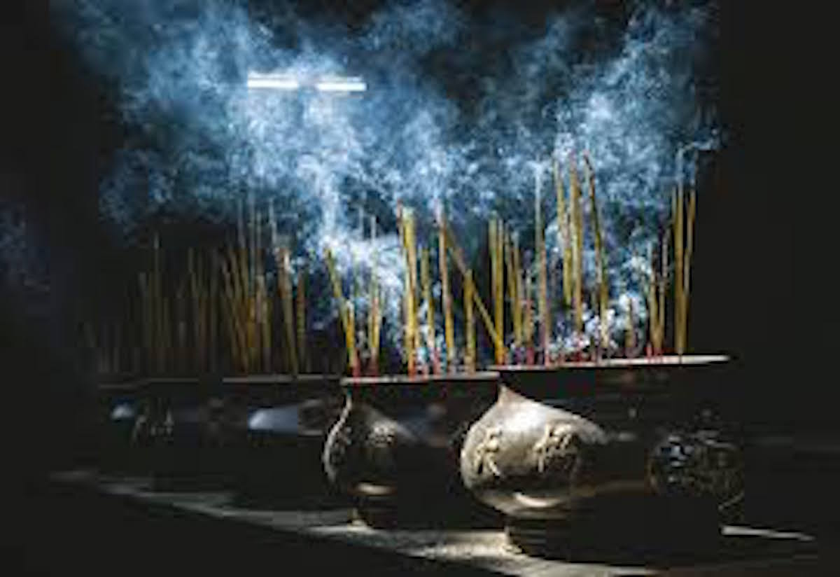 Episode 29: Use Of Incense And Smoke In Magick With Amy Blackthorn